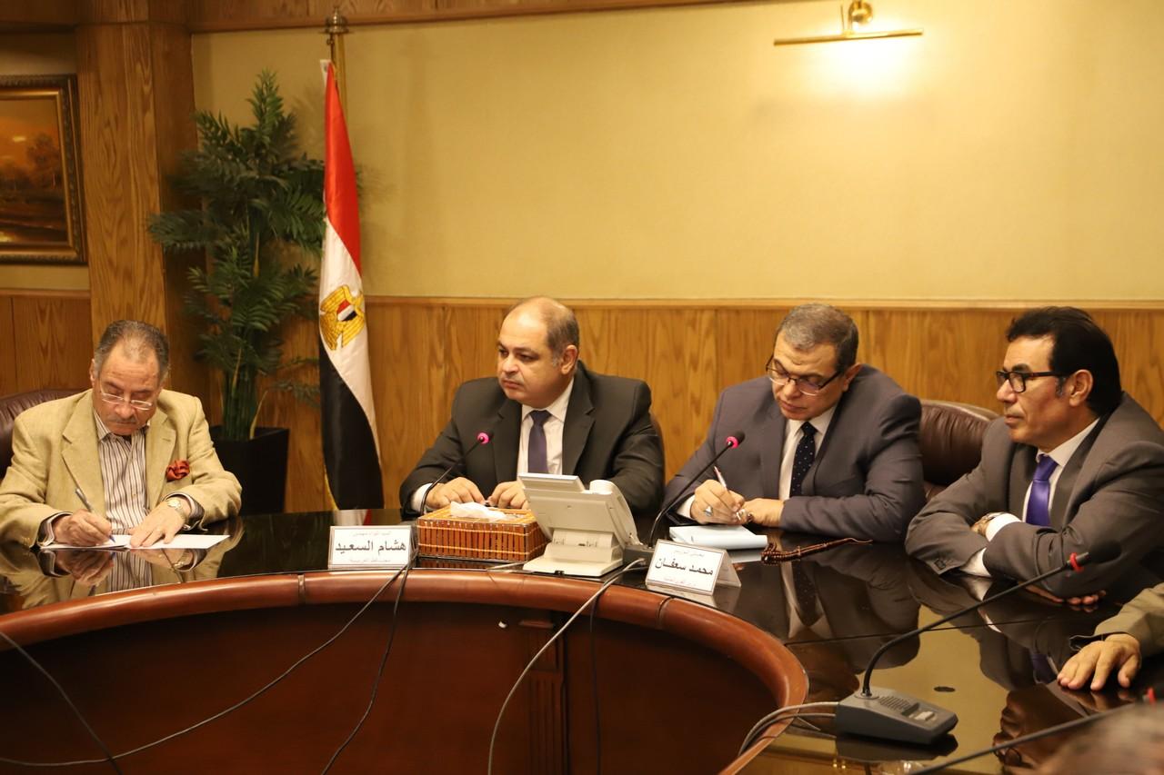 نقابة المهن التعليمية والبترول واتحاد مصر ينظما مؤتمر توظيف بالإسكندرية
