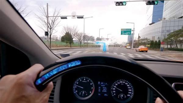 الذكاء الاصطناعي ينبه السائق باشارات المرور