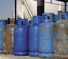 قلة إسطوانات الغاز تهدد الحياة في كوبا