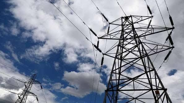 عاجل , انقطاع التيار الكهربائي و الغاز الطبيعي علي عدد كبير من المواطنين في تركيا :
