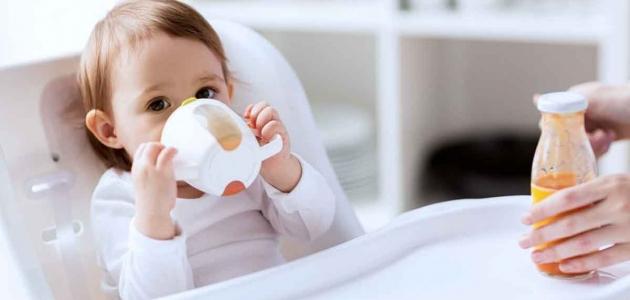 عصير الفاكهة ما الكمية المسموح للطفل تناولها