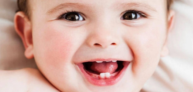 هل تحتاج لثة طفلك أثناء التسنين لعلاج