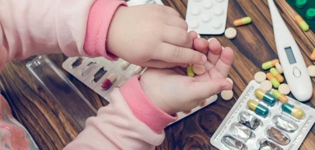6 أدوية يجب الحذر عند إعطائها للصغار