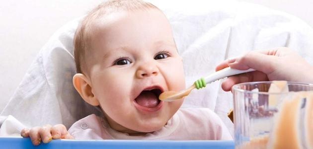 كيف توفرين لطفلك تغذية سليمة وصحية