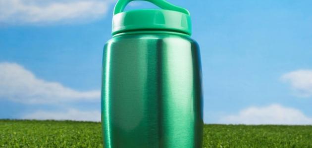 هل تناول الماء في قارورة بلاستك له تأثير على الهرمون الجنسي