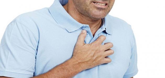 أسباب الذبحة الصدرية وأعراضها والخطر الناتج عنها