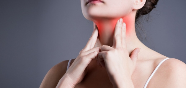 التهاب الحلق حالة مرضية مزعجة كيف يمكن تشخيصها وعلاجها وما هي أسباب إصابتها