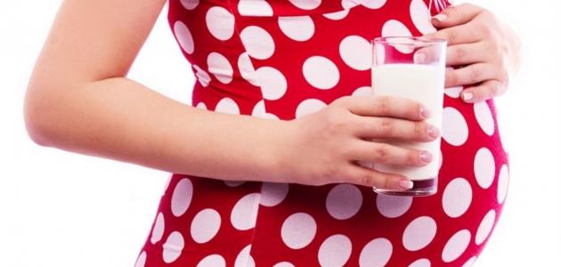 فوائد صحية لحليب الماعز خاصة للمرأة الحامل وعلاج بعض الأمراض