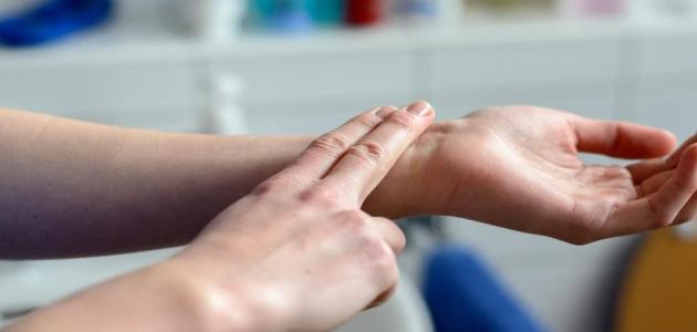ما هو مرض ارتخاء الصمام الميترالي وأسباب حدوثه وأعراضه وطرق تشخيصه