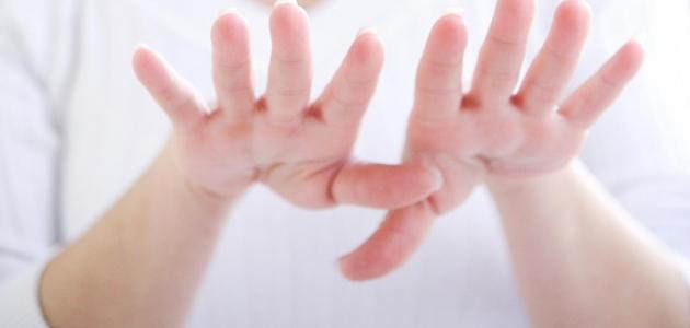 مرض باركنسون وما هي أعراضه ومضاعفاته وكيف يتم تشخيصه وعلاجه
