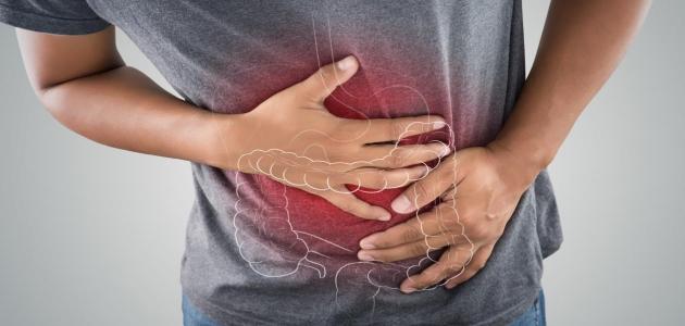 أسباب ألم المعدة بعد تناول الطعام والأعراض وكيفية الوقاية منها