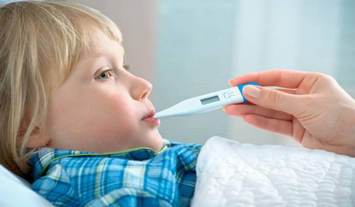 ألم بطن الأطفال وارتباطها بارتفاع درجة الحرارة