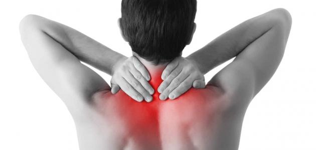تقوس الرقبة أعراضها وطرق العلاج