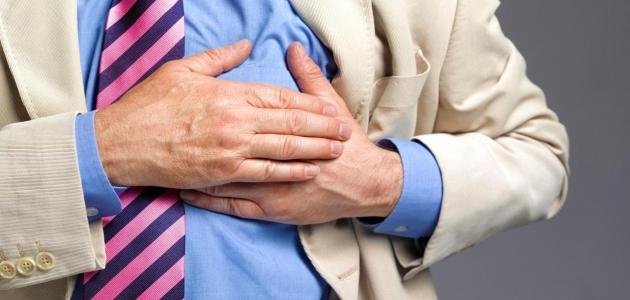 ما أسباب ألم القفص الصدري وهل الألم أمر طبيعي الحدوث